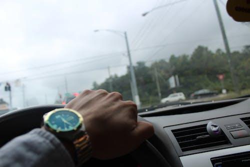 araba, araç kullanmak, yol içeren Ücretsiz stok fotoğraf