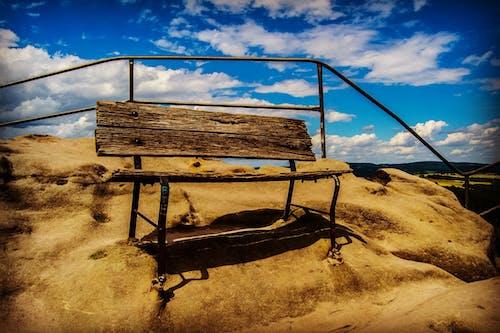 Gratis stockfoto met bank, hemel, wolken, zand