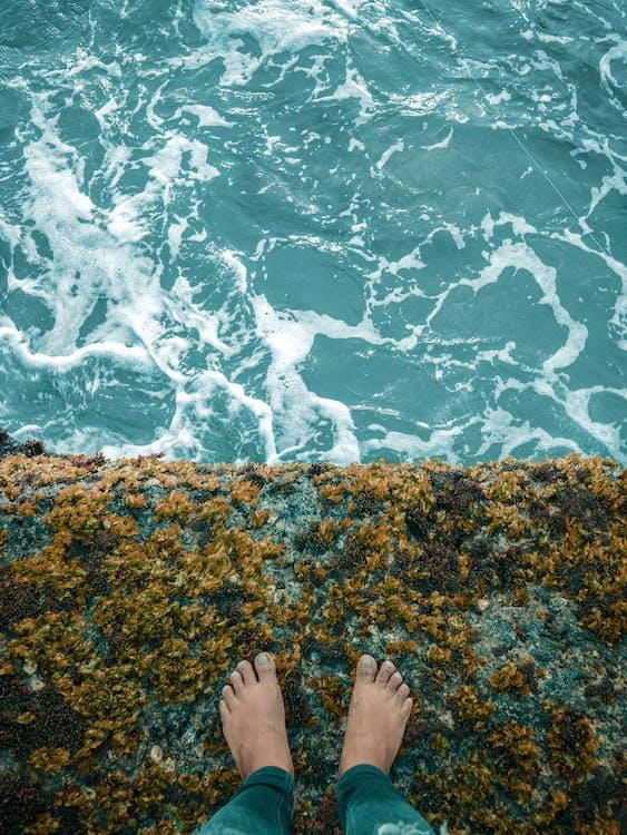 ayaklar, ayakta, dalgalar