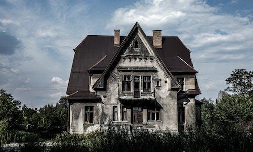 Foto d'estoc gratuïta de abandonat, casa antiga, casa buida, casa malvada