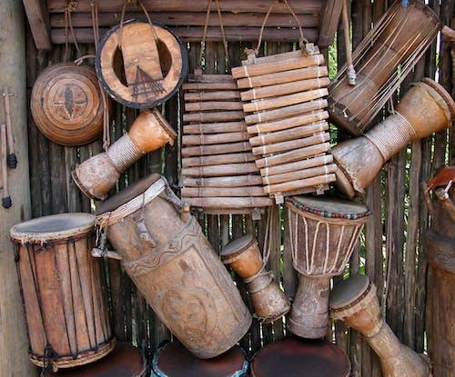 Δωρεάν στοκ φωτογραφιών με αγροτικός, κρουστά, μουσικά όργανα, ντραμς
