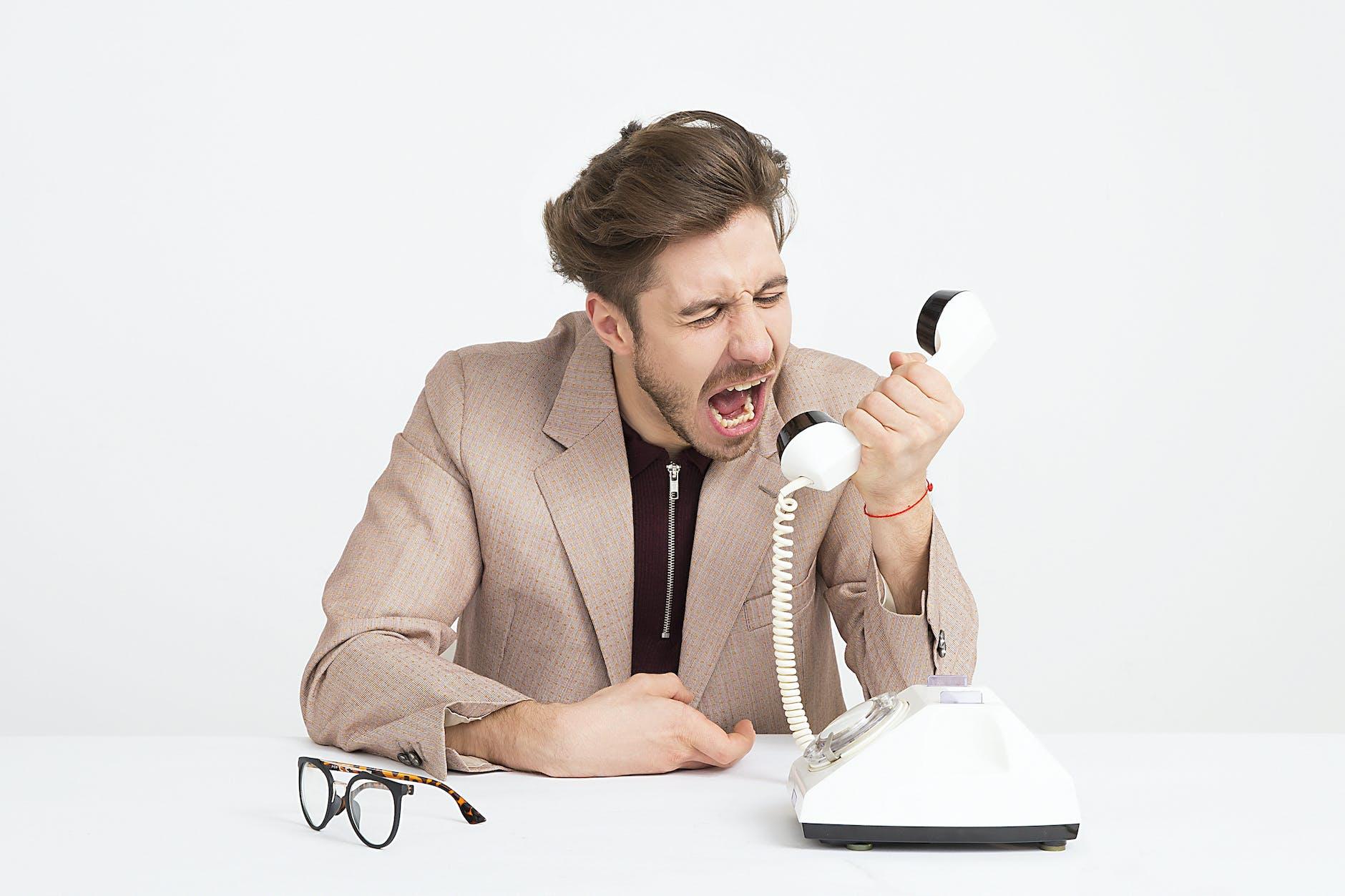 ✓✓ Tips Menyikapi Telepon Ngakunya Pihak Bank, Harus Bagaimana?