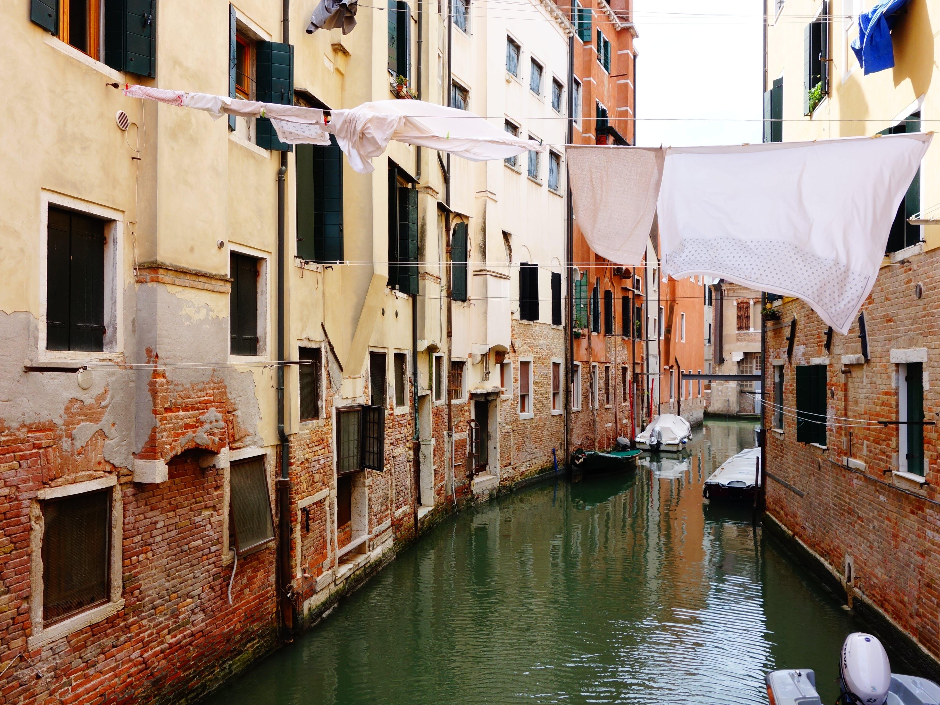 Kostenloses Stock Foto zu apartmentgebäude, gebäude außen, italien, kanal