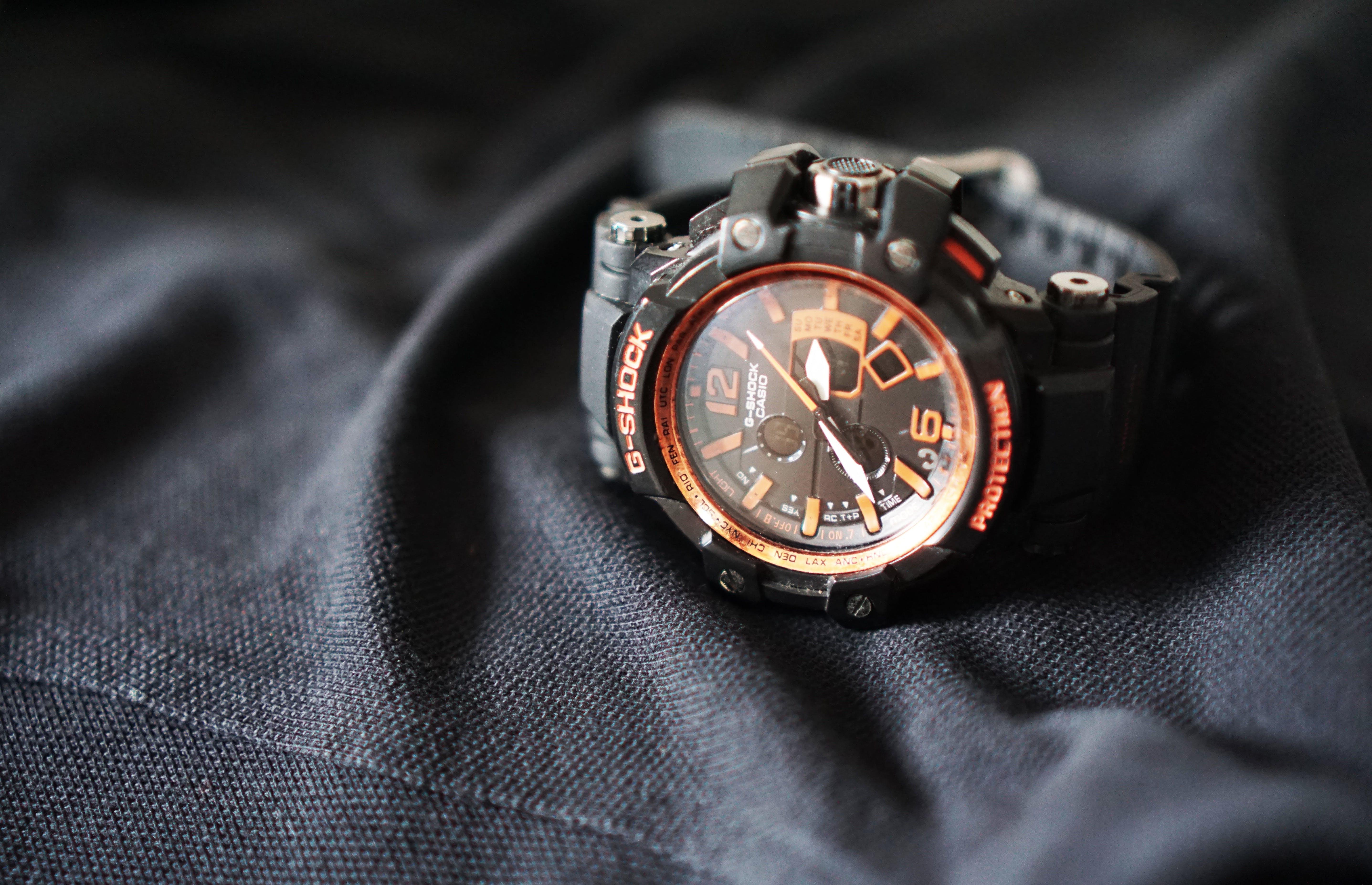 Casio G Shock Black Leather Strap Round Bezel Chronograph Watch