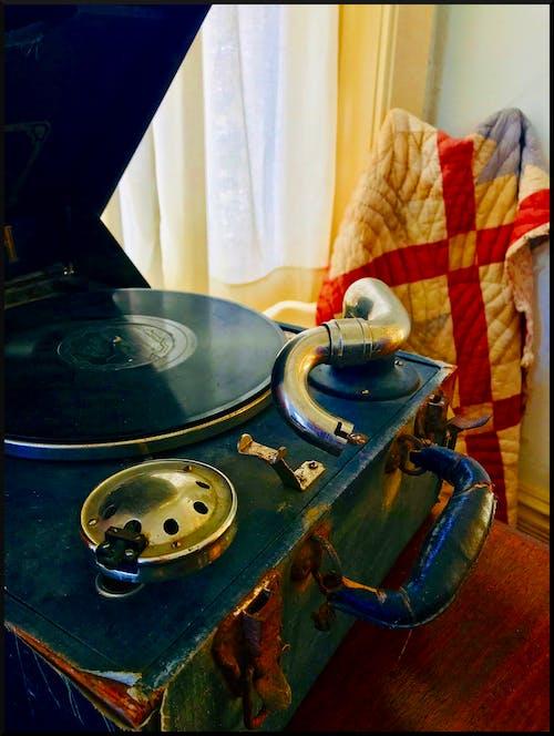 Gratis stockfoto met antiek, fonograaf, vintage platenspeler