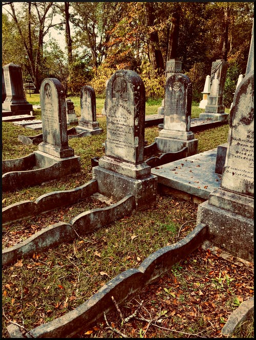 Gratis stockfoto met begraafplaats, dood, grafstenen, graven