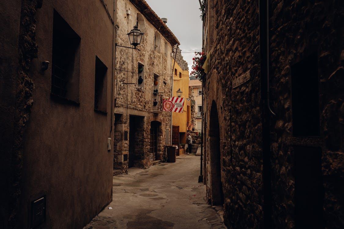 Alleyway Photo