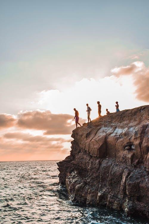 Immagine gratuita di alba, cielo, luce del giorno, mare