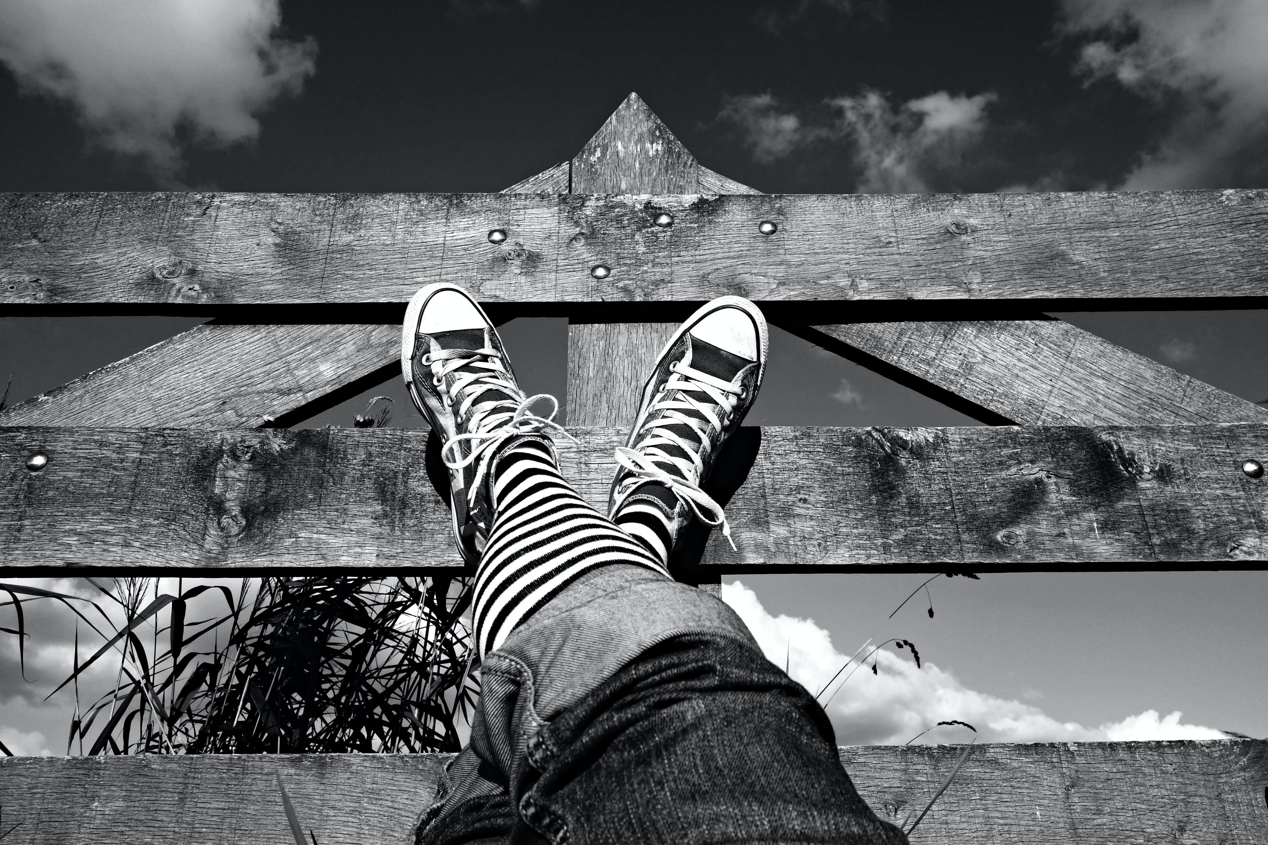 くつろぐ, のんびり, ジーンズ, スタイルの無料の写真素材