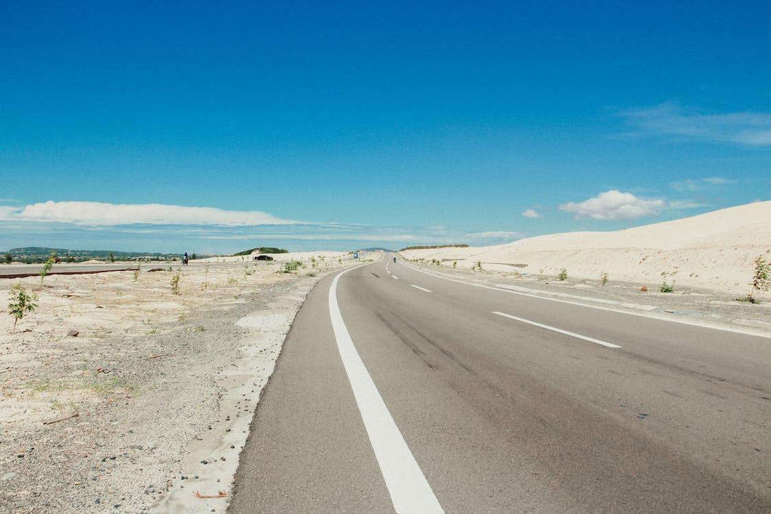 asfalt, bane, blå himmel