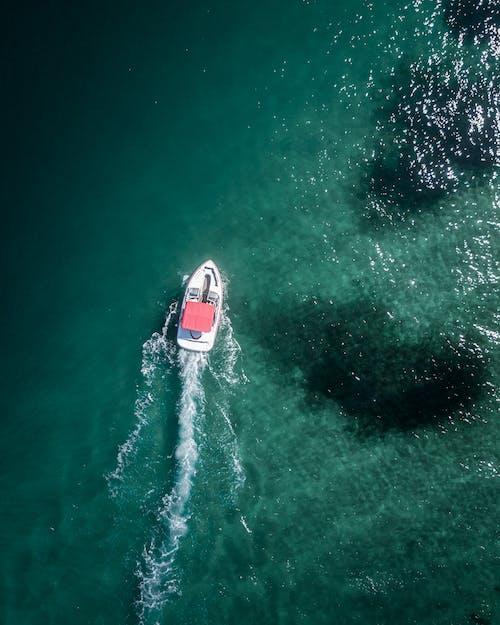 セーリング, ドローン撮影, ハイアングルショット, ボートの無料の写真素材