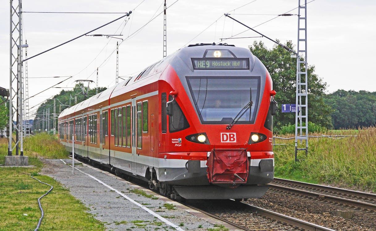 antrena, cale ferată, gară
