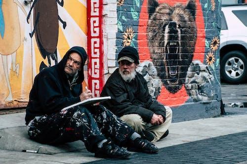 Gratis stockfoto met artiesten, daglicht, gozers, graffiti