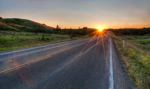 Бесплатное стоковое фото с асфальт, асфальтированный, восход, горизонтальный