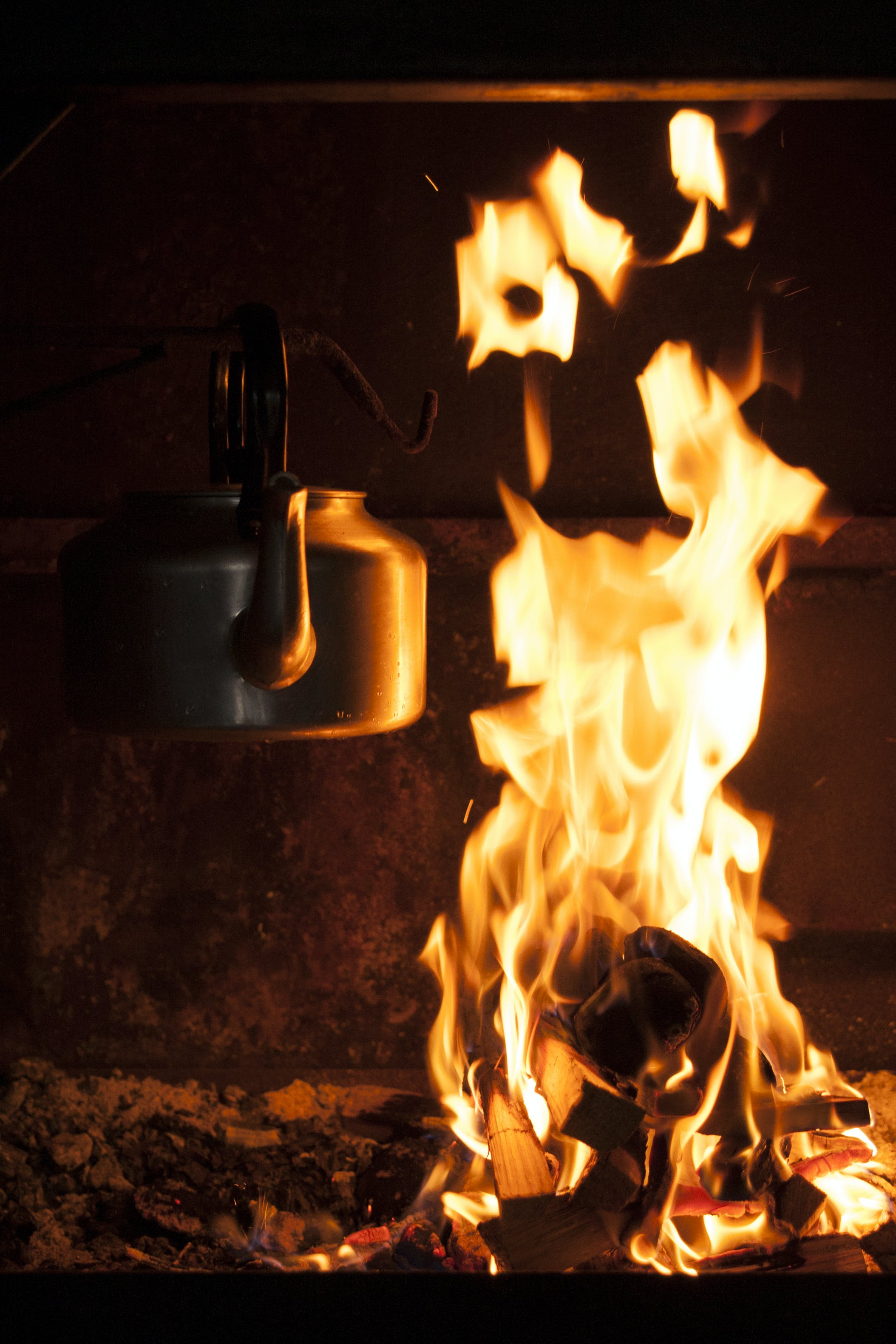 zu brand, brennbar, brennen, entzünden