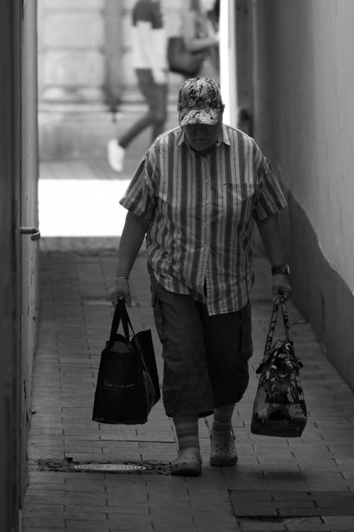 Základová fotografie zdarma na téma černobílá, starý muž