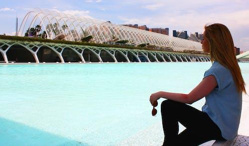 Základová fotografie zdarma na téma holka, letovisko, osoba, plavecký bazén