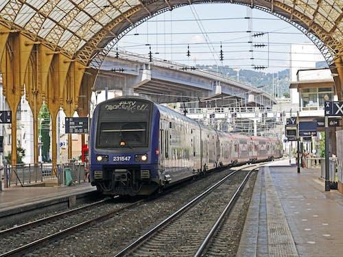 Δωρεάν στοκ φωτογραφιών με προπονούμαι, Σιδηροδρομικός σταθμός, σιδηρόδρομοι, σταθμός