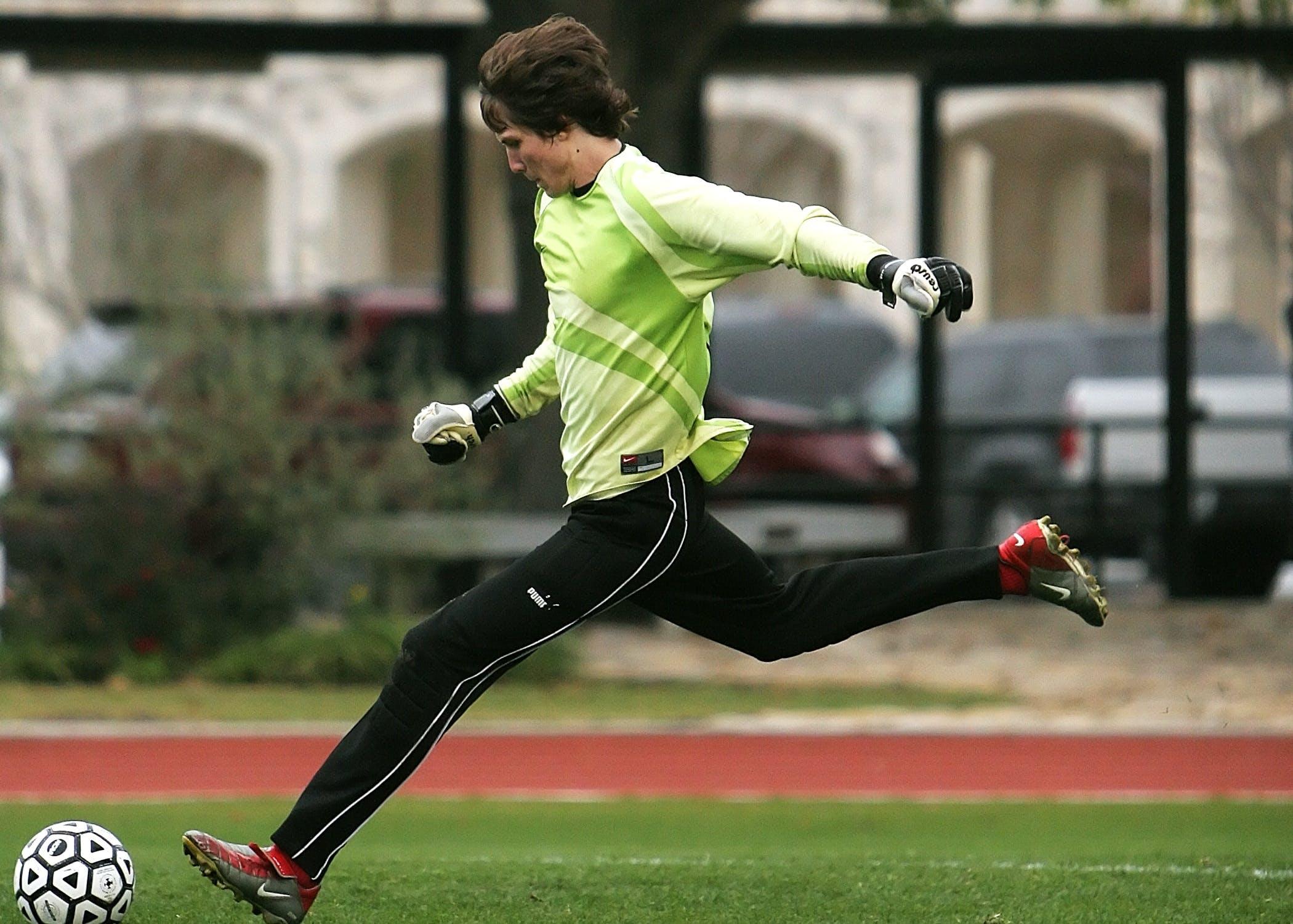 Foto stok gratis atlet, bidang, bola, game
