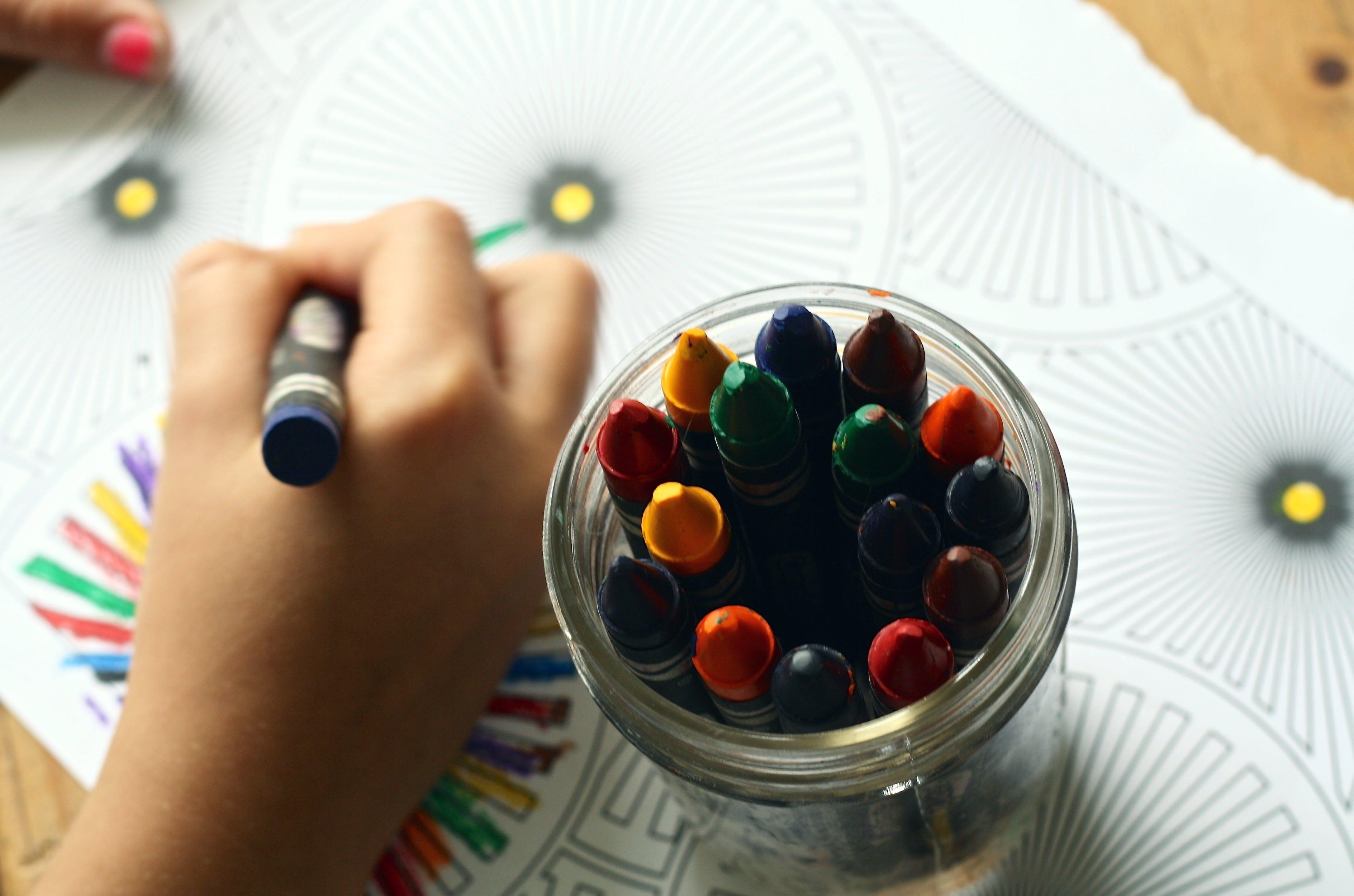 Foto d'estoc gratuïta de aprenent, art, Art i manualitats, bigarrat