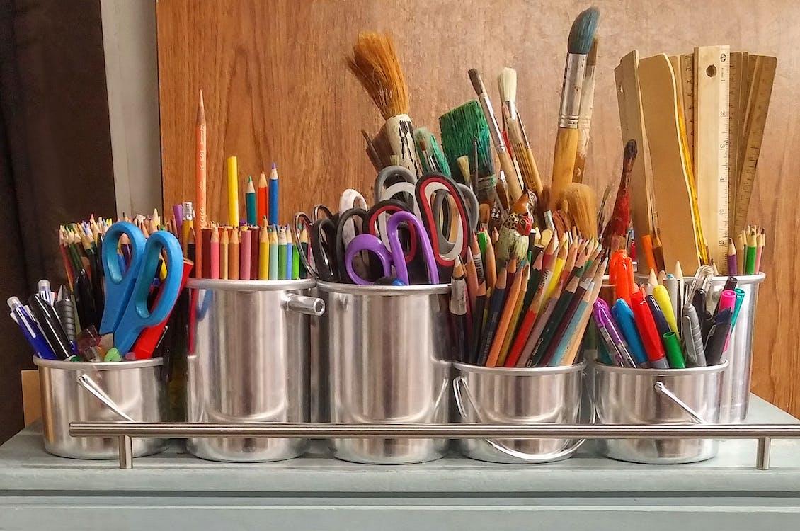 alkotói kellékek, ceruzák, chrome