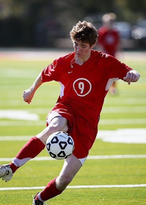 Foto d'estoc gratuïta de atleta, bola, camp, emparellat