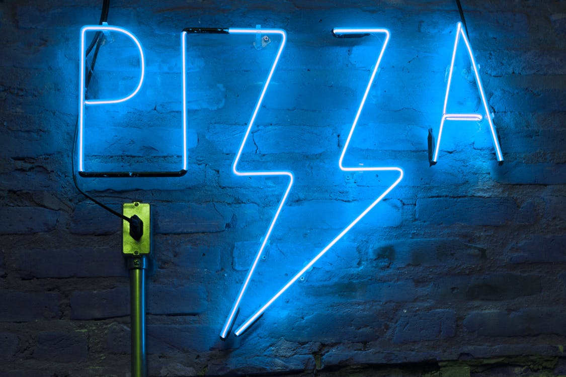 Blue Pizza Neon Signage Turned-on