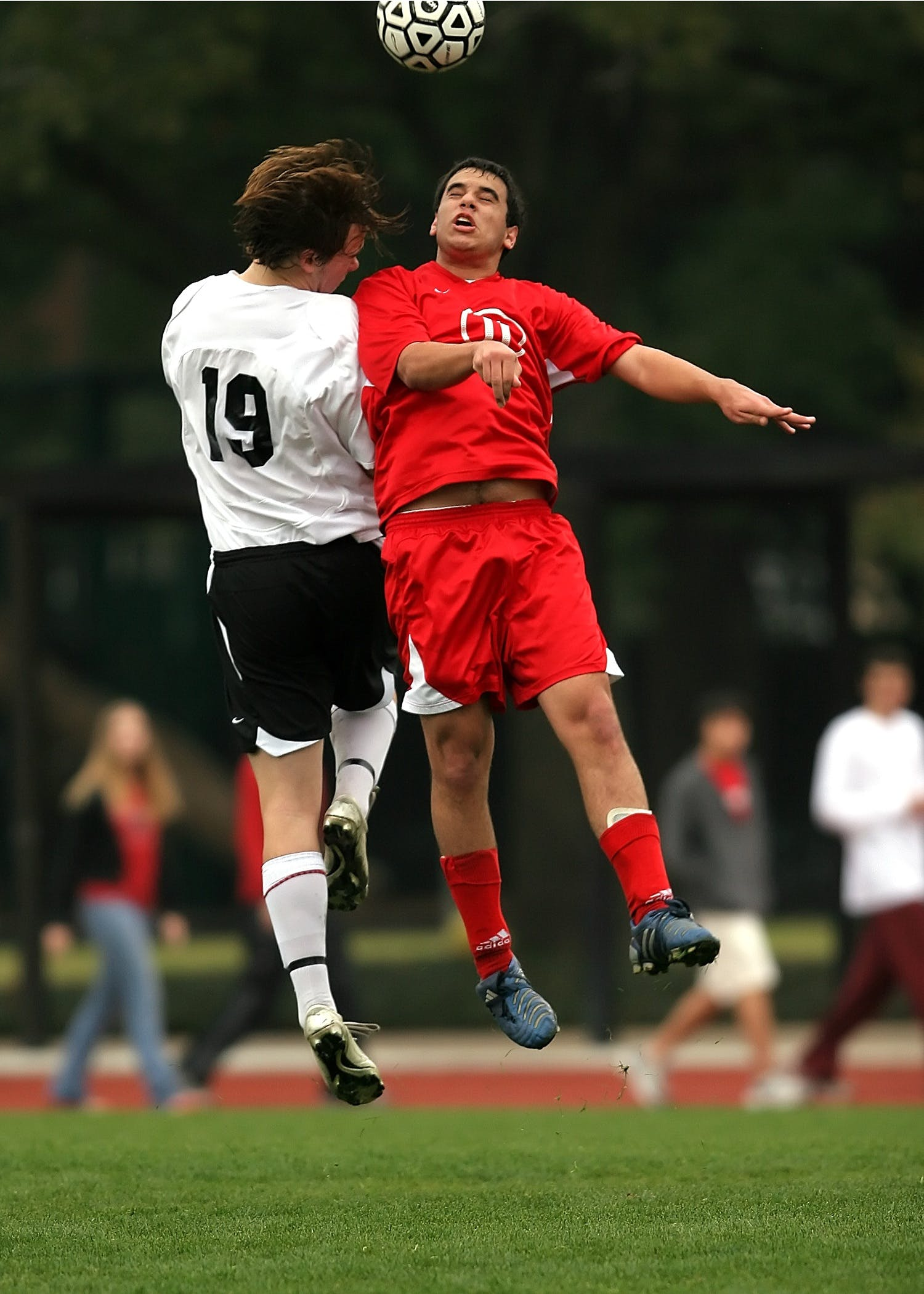 2 Soccer Player Had a Collision