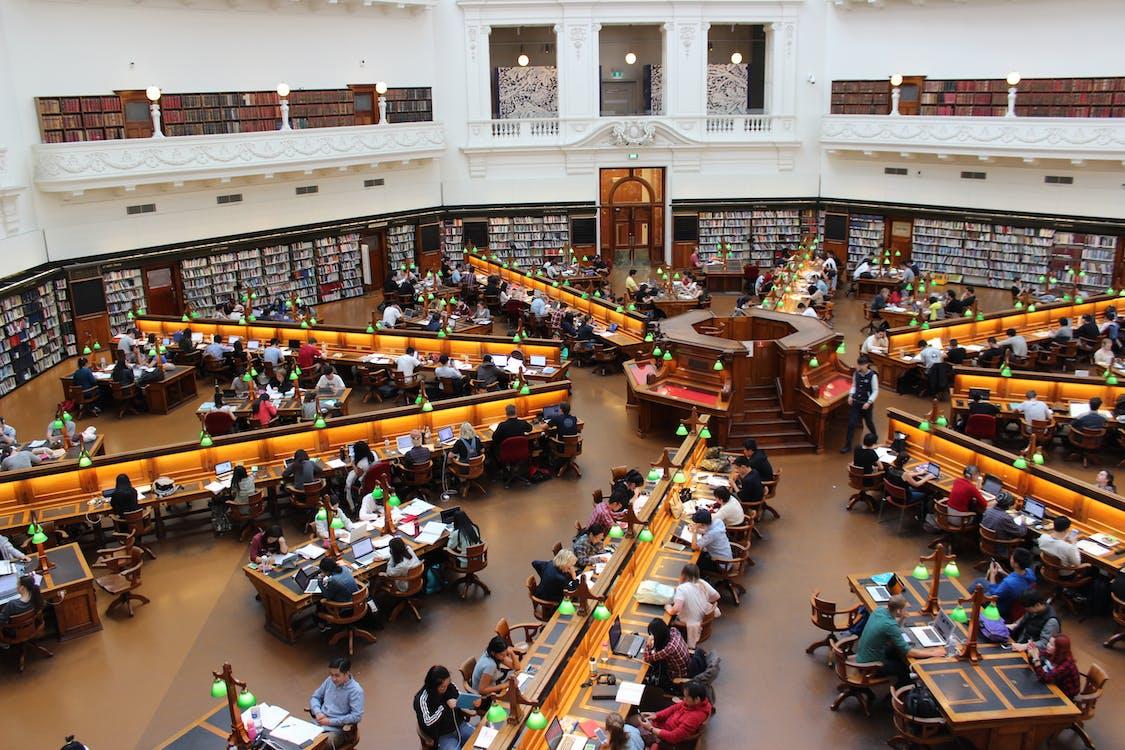 akadémiai, árukészlet, asztal