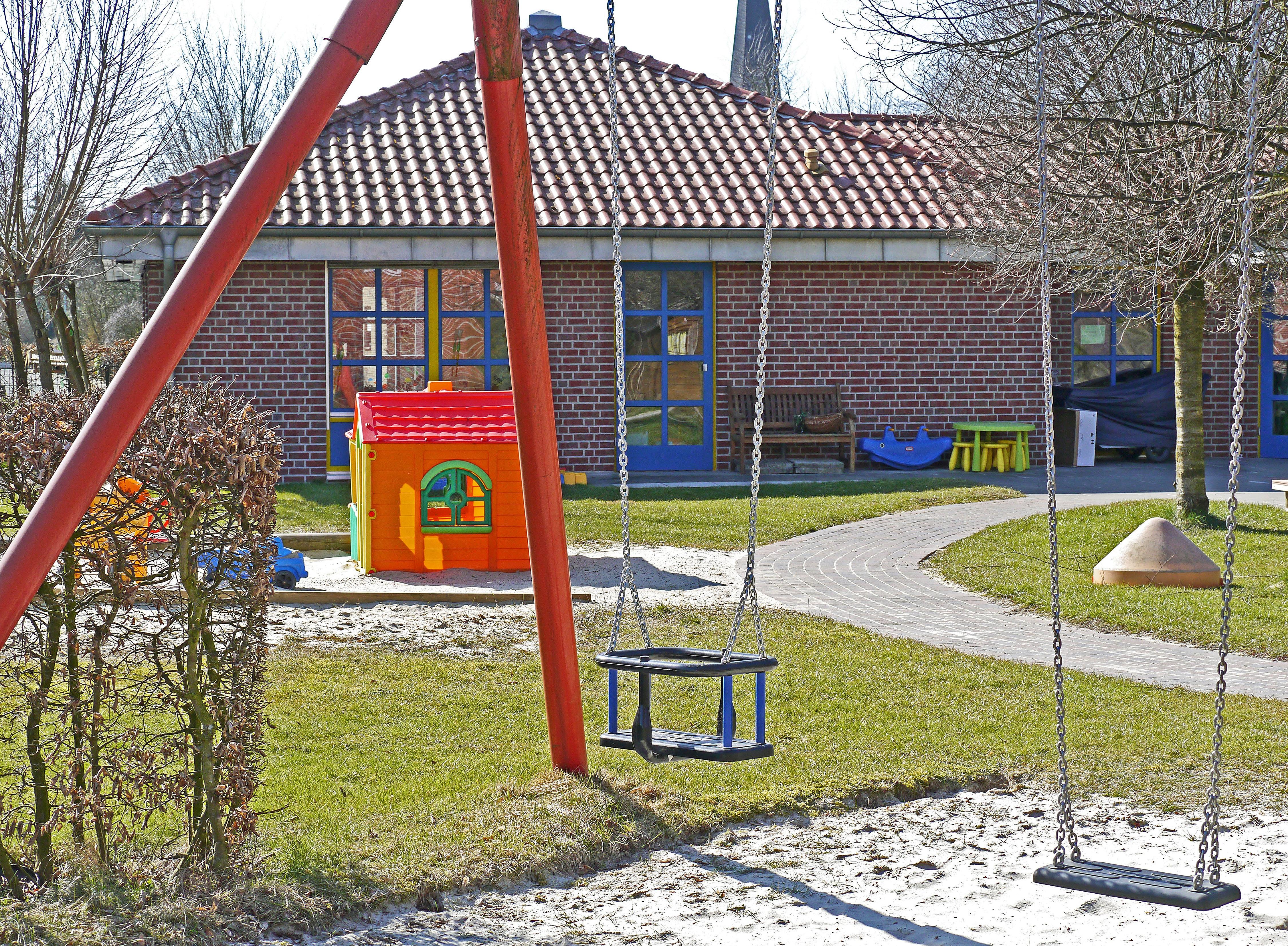 kindergarten-playground-swing-sand-pit-1