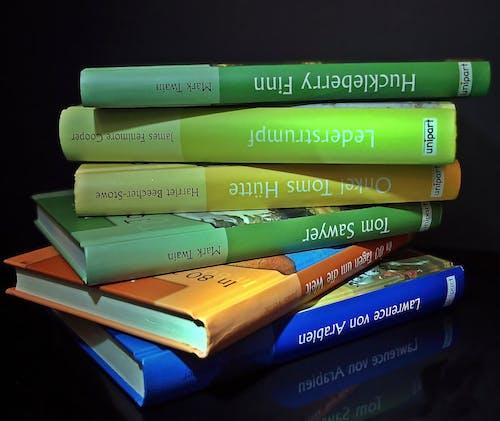 Gratis lagerfoto af bøger, Læse, stablet, viden