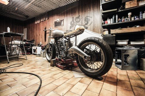Gratis stockfoto met cafe racer, carport, chopper bike, construeren