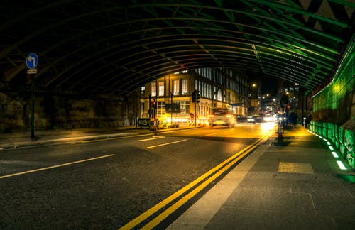 Photos gratuites de architecture, asphalte, autoroute, bâtiments