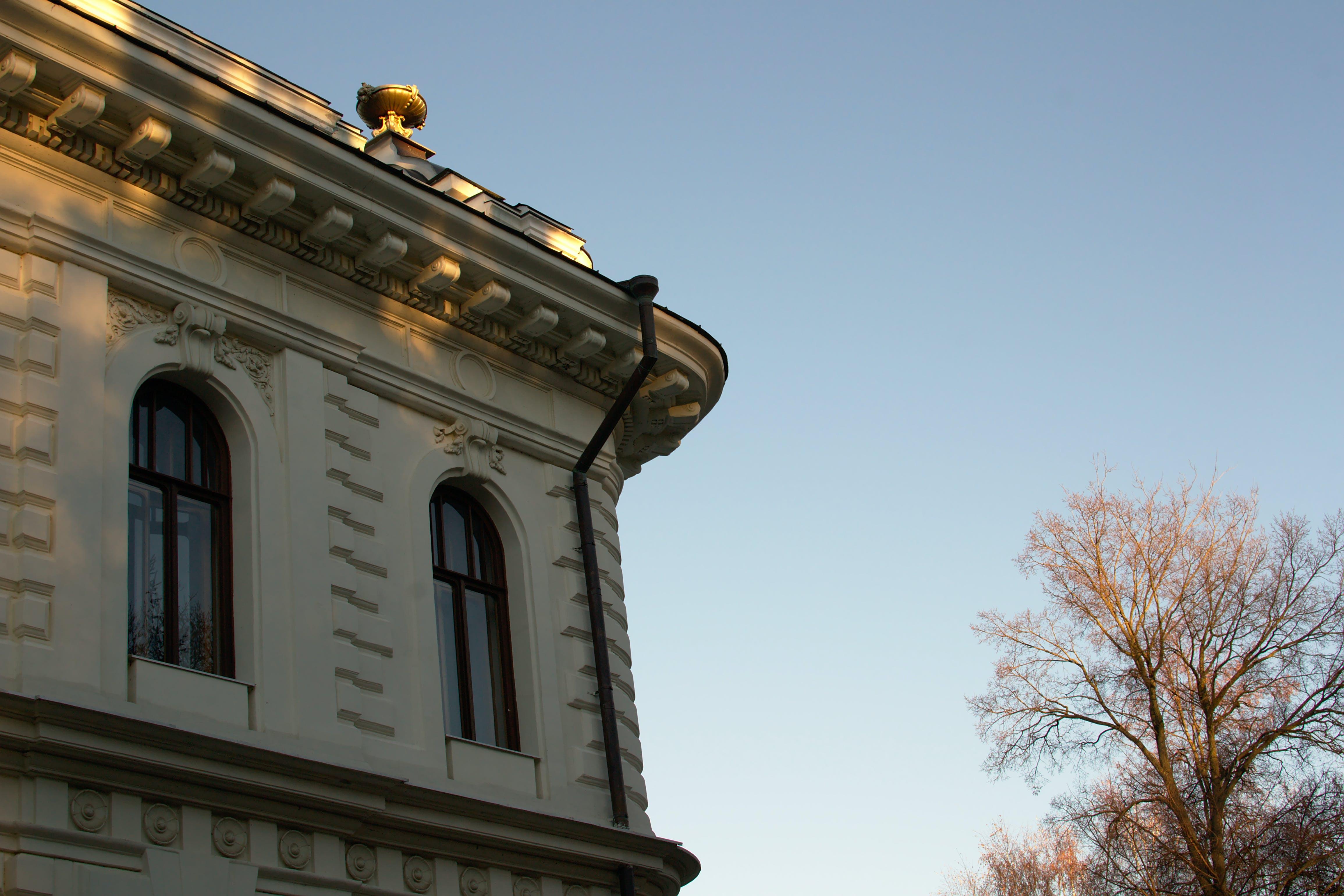Foto stok gratis Arsitektur, Kastil, langit cerah