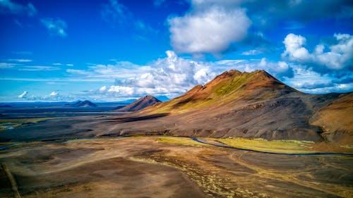 Kostnadsfri bild av bergen, blå himmel, dji, drone view