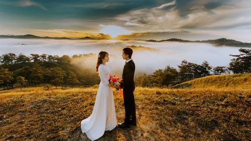 Darmowe zdjęcie z galerii z chmury, kobieta, ludzie, małżeństwo
