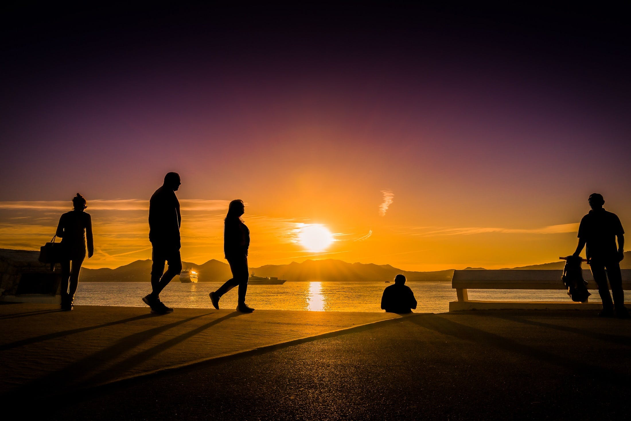 Photos gratuites de à contre-jour, aube, bateaux, coucher de soleil