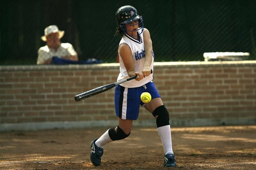 Fotos de stock gratuitas de atleta, bate de béisbol, béisbol, bola