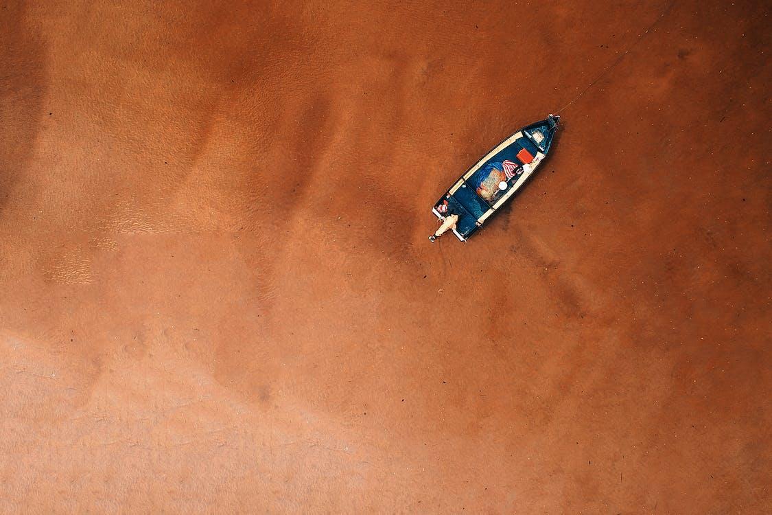 Vogelperspektive Des Bootes An Der Küste