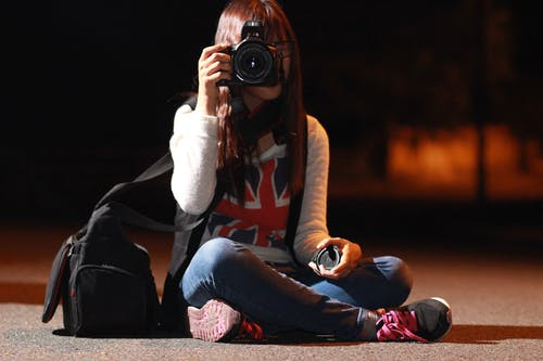Photos gratuites de appareil photo, appareil photo reflex numérique, femme, individu