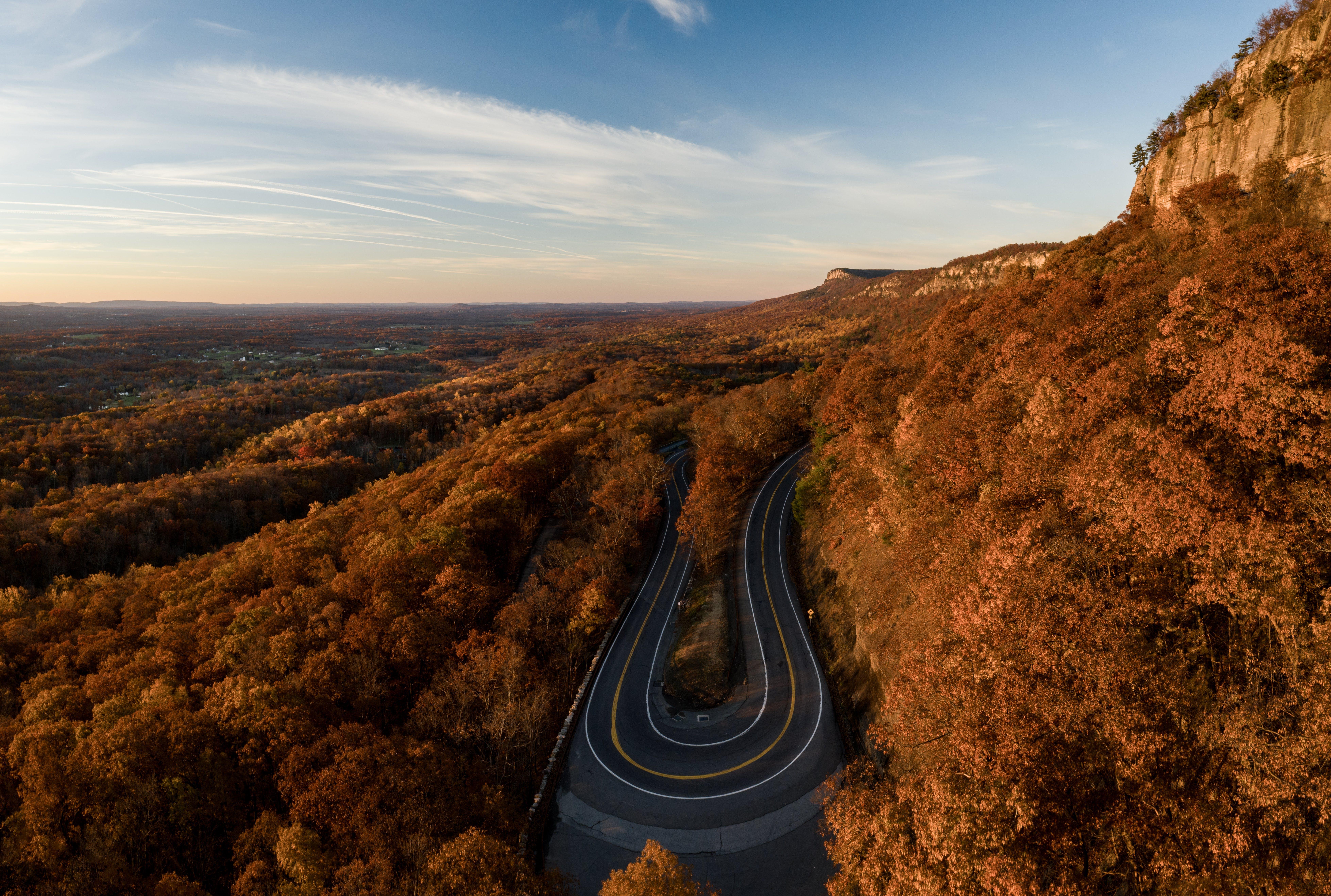 Gratis lagerfoto af bjerg, dagslys, droneoptagelse, fra oven
