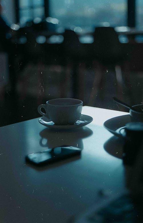 Ilmainen kuvapankkikuva tunnisteilla 35 mm, analoginen, kahvi, Puhelin