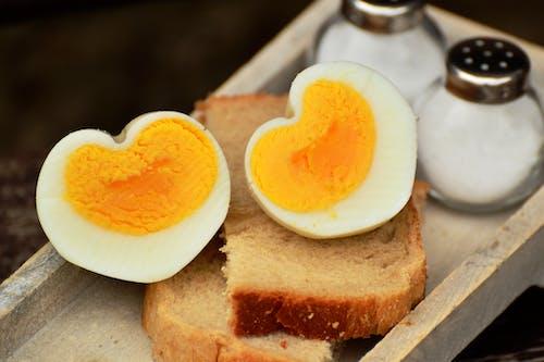 心, 水煮蛋, 蛋, 食物 的 免费素材照片
