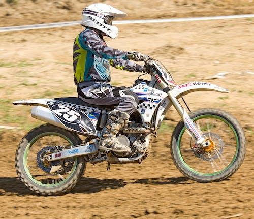 Безкоштовне стокове фото на тему «sverepec, Мотокрос, мотоперегони, мотоцикл»