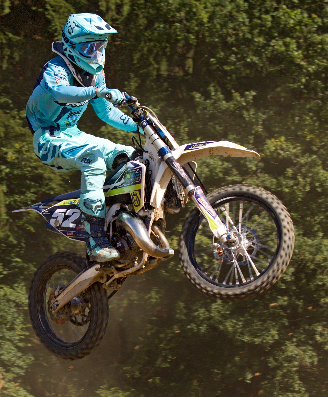 Gratis lagerfoto af handling, hjelm, motocross, motorcykel
