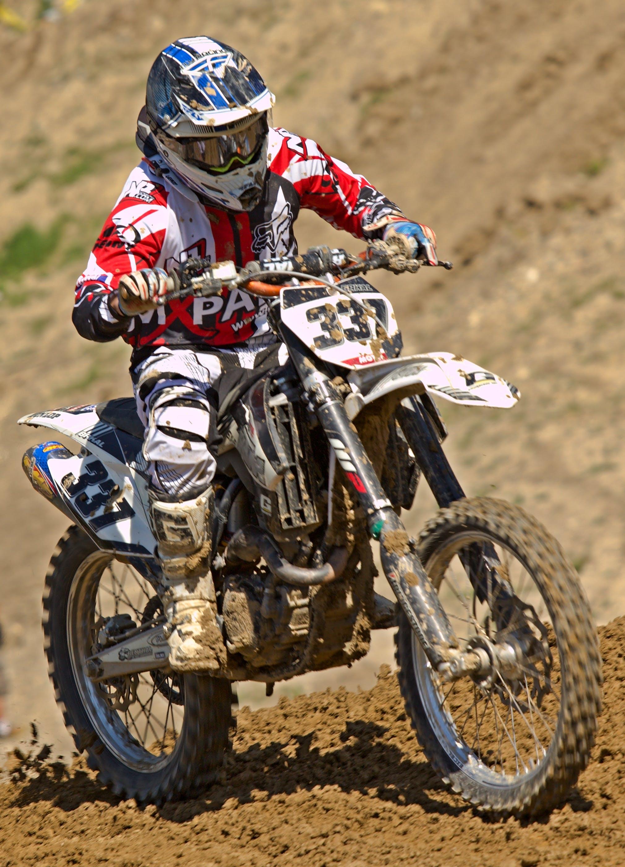 Gratis lagerfoto af hjelm, jord, kapløb, motocross