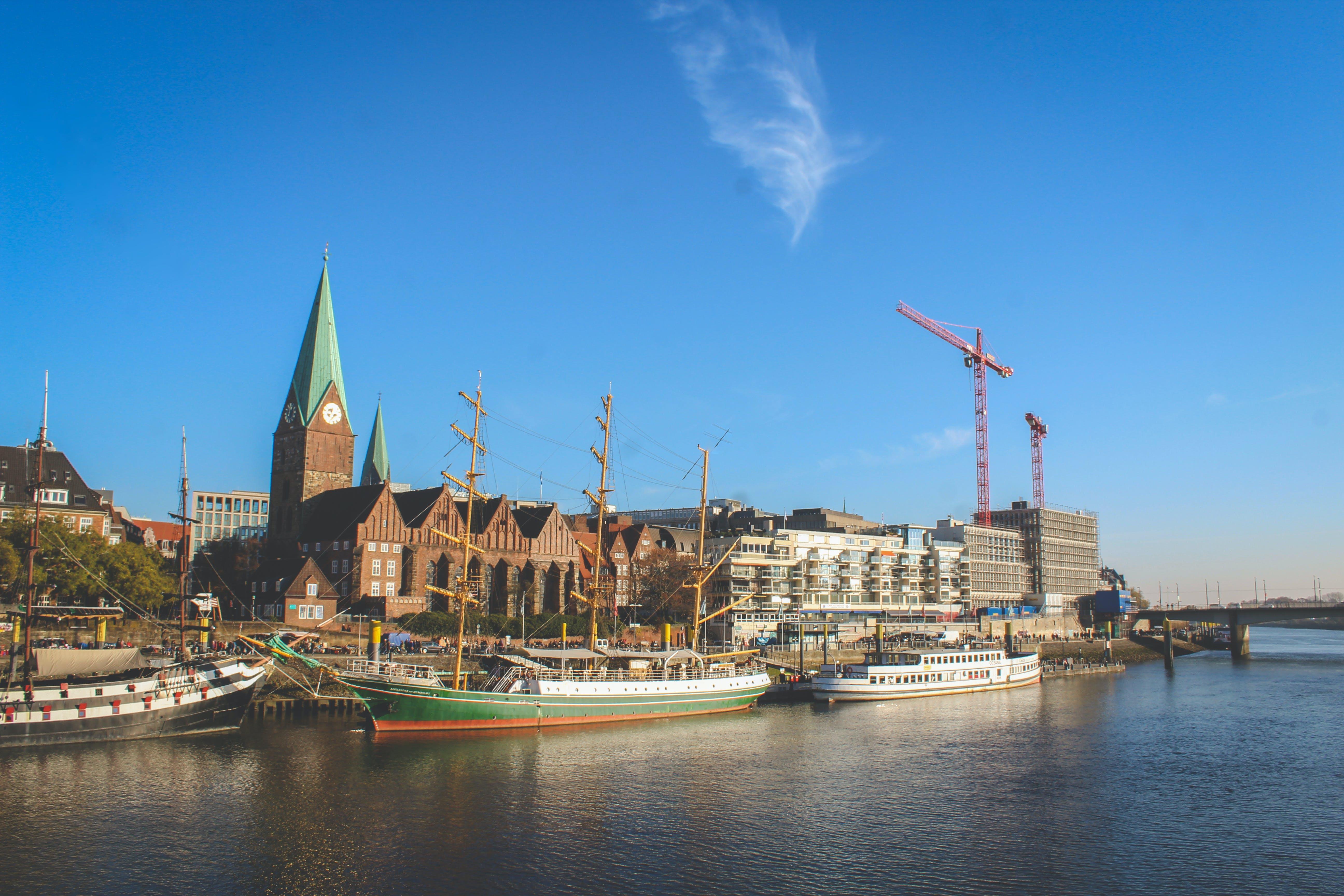 Kostenloses Stock Foto zu android wallpaper, big city, blue sky, church
