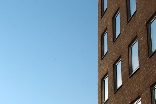 Kostenloses Stock Foto zu apartment building, blue sky, free wallpaper, old city