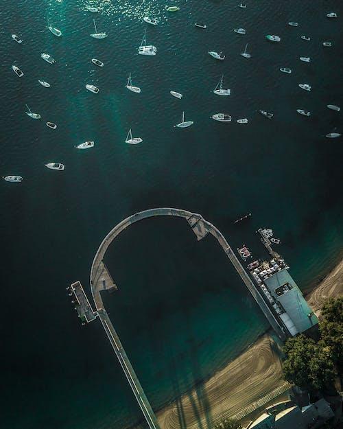 Δωρεάν στοκ φωτογραφιών με αποβάθρα, βάρκες, θάλασσα, θέα από ψηλά
