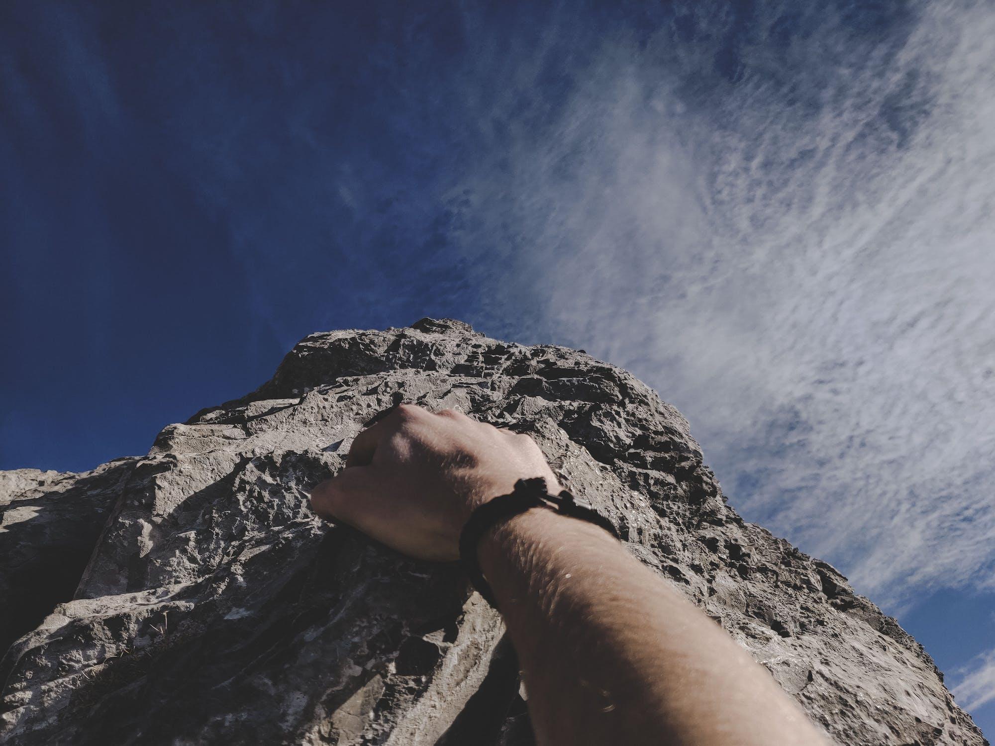 【社長のブログ】参入障壁は高いところに勝負を仕掛けろ